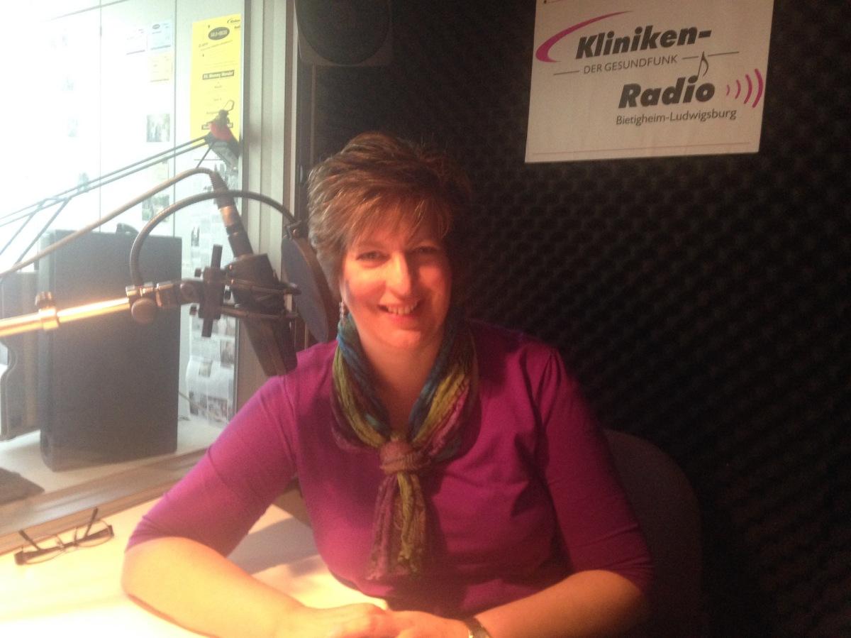 Staatsanwältin und Autorin im Kliniken-Radio: Interview mit Ann-Marie Ackermann