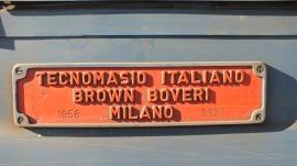 Firmenschild von Brown Boveri an einer Diesellok.