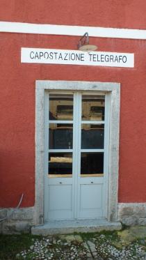 Eingang zum Telegrafisten in Ariana.