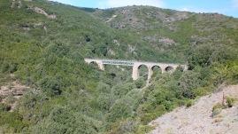 Teuere Brückenbauwerke wurden auf der Strecke Arbatax - Mandas vermieden, waren aber wegen der Geländeunterschiede doch nötig.