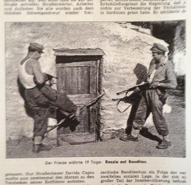 """Ein Großaufgebot von Polizei und Militär beteiligte sich Anfang der 1950er-Jahre an der Razzia gegen die """"Gesetzlosen"""" in Orgosolo."""