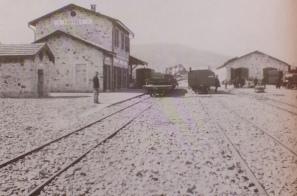 Viele Bahnhöfe liegen außerhalb von Ortschaften.
