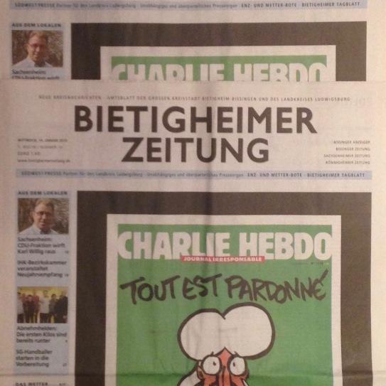 Ein Titelbildes Frankreich wird aus Solidarität übernommen.